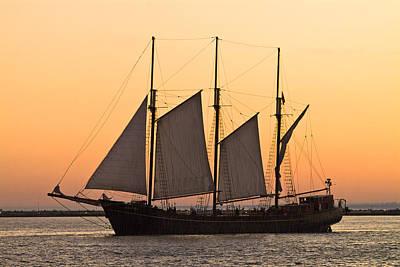 A Boat Sails On Lake Ontario Art Print