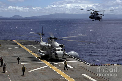 Target Threshold Nature - A Ch-53d Sea Stallion Sits by Stocktrek Images