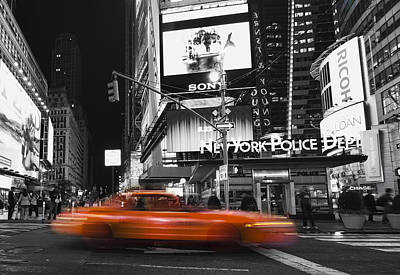 Photograph - A New York Minute by Yelena Rozov