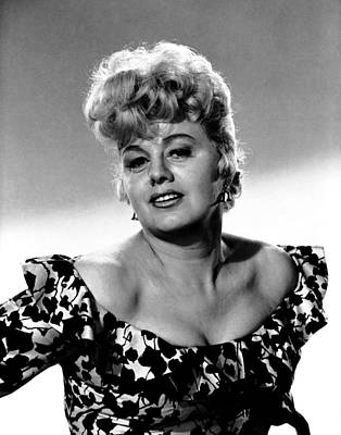 Publicity Shot Photograph - A Patch Of Blue, Shelley Winters, 1965 by Everett