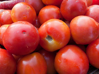 A Pile Of Luscious Bright Red Tomatoes Print by Ashish Agarwal