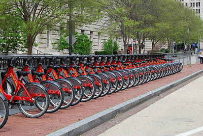 Washington D.c Digital Art - A Row Of Red Bikes by Eva Kaufman