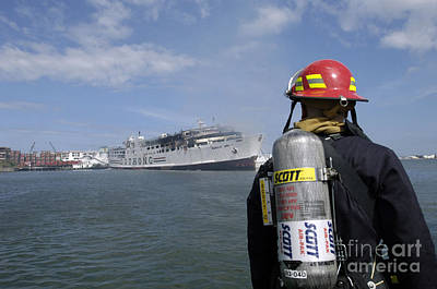 A U.s. Navy Sailor Responds Art Print