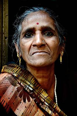 Photograph - A Woman In Kolkata by Valerie Rosen