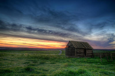 Old Cabins Photograph - Abandoned Beauty by Thomas Zimmerman