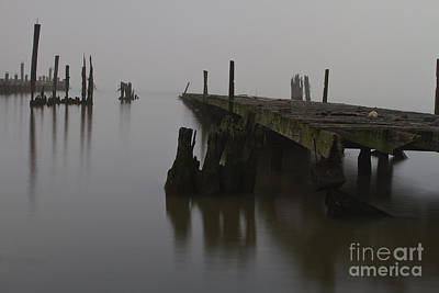 Falling Water Photograph - Abandoned Pier On The Hudson River One Foggy Morning. by Robert Wirth
