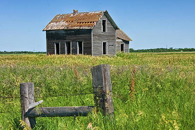 Madonna - Abandoned Prairie Farmhouse No.4221 by Randall Nyhof