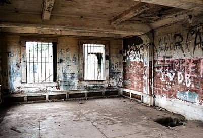 Photograph - Abandoned Room by Matt Hanson