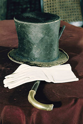 Aberaham Lincolns Hat, Cane And Gloves Art Print