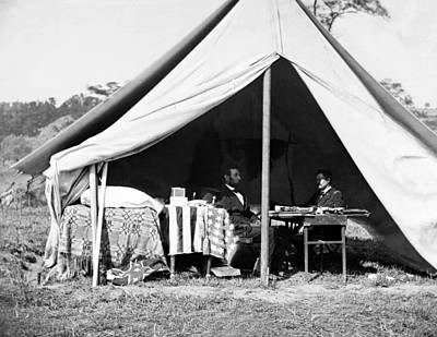 Art Print featuring the photograph Abraham Lincoln Meeting With General Mcclellan - Antietam - October 3 1862 by International  Images