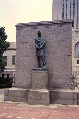 Abraham Lincoln Statue Art Print by Granger