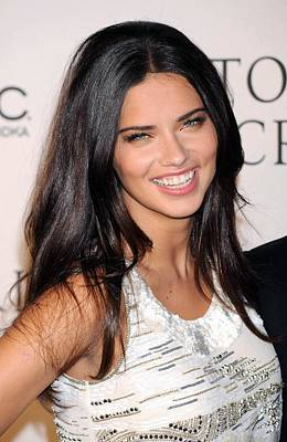 Adriana Lima At Arrivals For 2009 Art Print by Everett