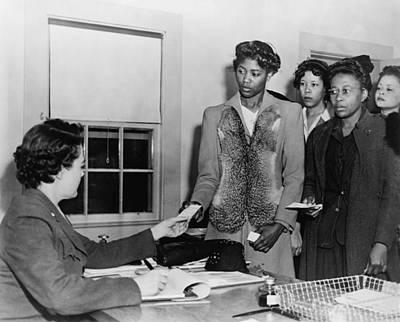 African American Women Presenting Print by Everett
