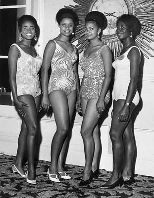 African Beauty Queens Art Print by Leonard Burt