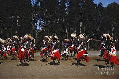 African Traditional Dances Photograph - African Intore Dancers by Elizabeth Kingsley