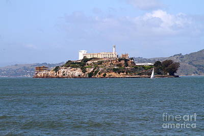 Alcatraz Photograph - Alcatraz Island In San Francisco California . South Side . 7d14288 by Wingsdomain Art and Photography