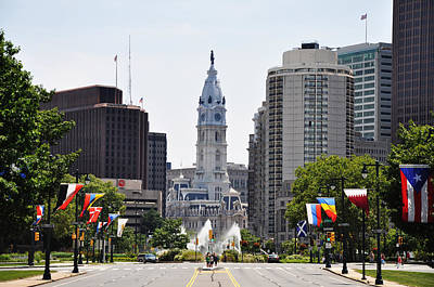 City Hall Digital Art - Along The Parkway In Philadelphia by Bill Cannon