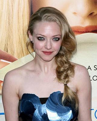 Amanda Seyfried  At Arrivals Art Print