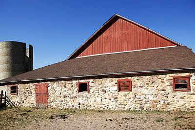Photograph - American Barn by Marilyn Hunt