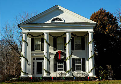Wreath Photograph - American Colonial Architecture Christmas  by LeeAnn McLaneGoetz McLaneGoetzStudioLLCcom
