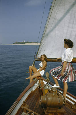 American Women Sail Off Of The Coast Print by Robert Sisson