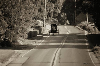 Pennsylvania Dutch Photograph - Amish Buggy - Lancaster County Pa by Bill Cannon
