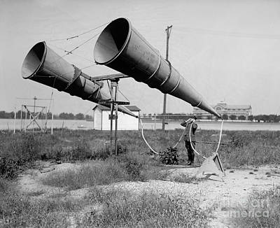 Amplifiers, Bolling Field Print by Photo Researchers