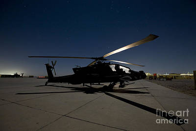 Photograph - An Ah-64d Apache Longbow Block IIi by Terry Moore
