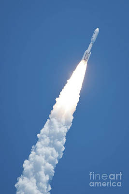 An Atlast V Rocket Carrying The Juno Print by Stocktrek Images