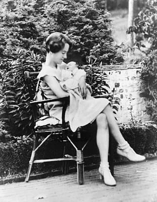 Anne Morrow Lindbergh In 1930, Holding Art Print by Everett