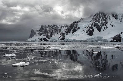 Photograph - Antarctic No. 5 by Joe Bonita