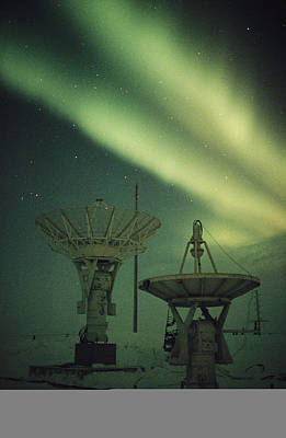 High Technology Devices Photograph - Antennas Point Skyward by Norbert Rosing