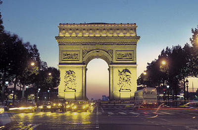 Arc De Triomphe And The  Champs-elysees Art Print by Richard Nowitz