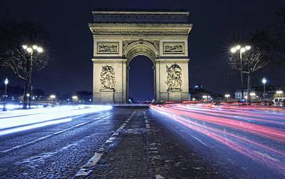 Paris Photograph - Arc De Triomphe Paris by Vincenzo Papa [photographer]