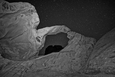 Valley Of Fire Wall Art - Photograph - Arch In Valley Of Fire Nevada by Rick Berk