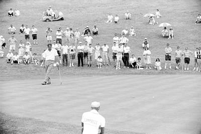 Arnold Palmer Waits At 1964 Us Open At Congressional Country Club Art Print by Jan W Faul