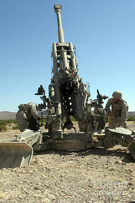 Artillerymen Manning The M777 Art Print by Stocktrek Images
