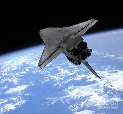 Digital Art - Artists Concept Of A Space Shuttle by Walter Myers