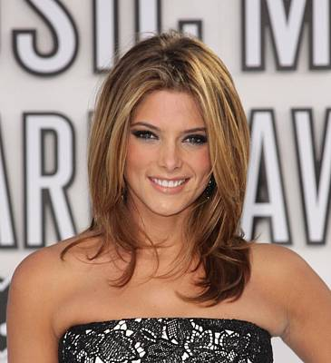 Bestofredcarpet Photograph - Ashley Greene At Arrivals For 2010 Mtv by Everett