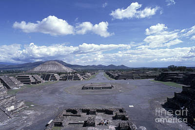 Archaelogy Photograph - Avenue Of The Dead Teotihuacan Mexico by John  Mitchell