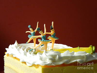 Photograph - Ballet On Cake by Renee Trenholm