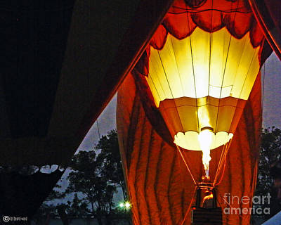 Photograph - Balloon Glow by Lizi Beard-Ward