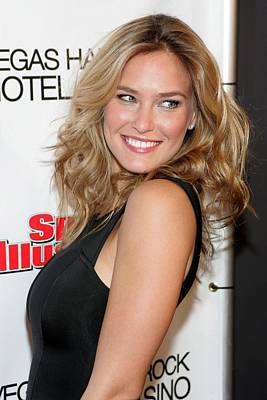 Sports Illustrated Photograph - Bar Refaeli At Arrivals For Club Si by Everett