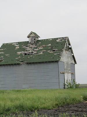 Photograph - Barn-22 by Todd Sherlock