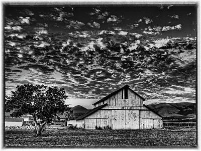 Photograph - Barn At Sunset by Beth Sargent