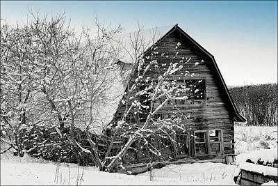 Photograph - Barn by Fuad Azmat