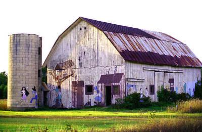 Photograph - Barn In Michigan by Emanuel Tanjala