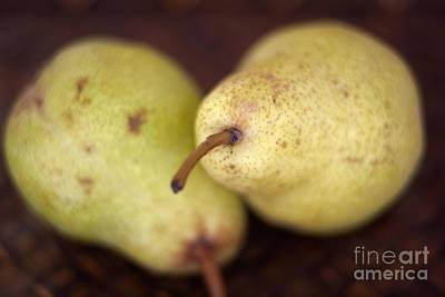 Pyrus Communis Photograph - Bartlett Pears by Ei Katsumata