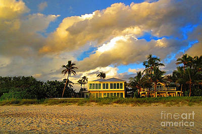 Photograph - Beach House by Danuta Bennett