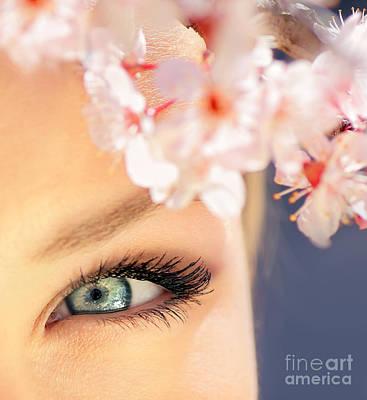 Glamour Optics Photograph - Beautiful Blue Eye by Anna Om